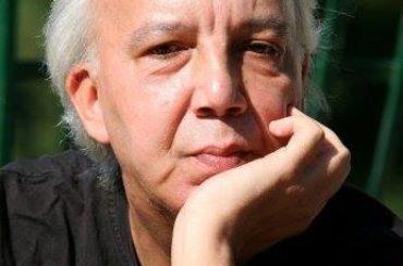 Tra le vie di Mentana con Gianni Mauro, cantante, scrittore, artista. Dalle collaborazioni eccezionali ai Pandemonium, dai libri al cinema