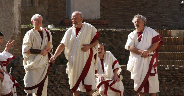"""Gallery. """"Idi di Marzo 2018"""": la rievocazione dell'assassinio di Gaio Giulio Cesare affascina e fa il pieno di pubblico"""