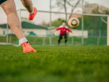 """Fonte Nuova. """"Forza Chiara"""": triangolare di calcio-spettacolo di beneficenza"""
