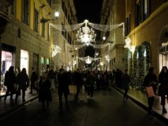 Cartoon Christmas Lights: Sabato 23 Novembre si accendono le luminarie di Via Condotti