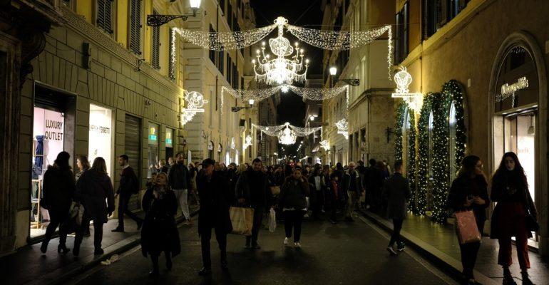 Cartoon Christmas Lights: Sabato 23 Novembre si accendono le luminarie di Via Condotti